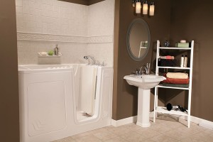 White-Walk-In-Tub-Roman-Stone-Windmill-Tile_IMG_5554_HR_bp